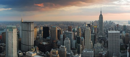 new york in 5 Tagen city skyline sunset panorama. manhattan aerial view.