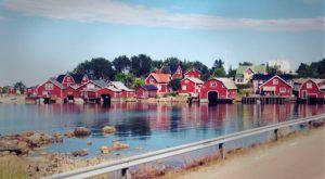 Schweden - typische Häuser am Wasser