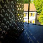 Treppenaufgang mit Blick in den Burghof der Veitsburg