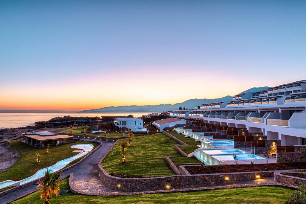 Kreta-Abaton-Island-Resort-Spa-View-over-Resort