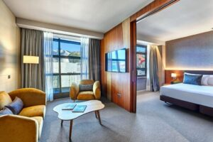 Bilbao-Gran-Hotel-Domine-Deluxe-Suite-Guggenheim-View